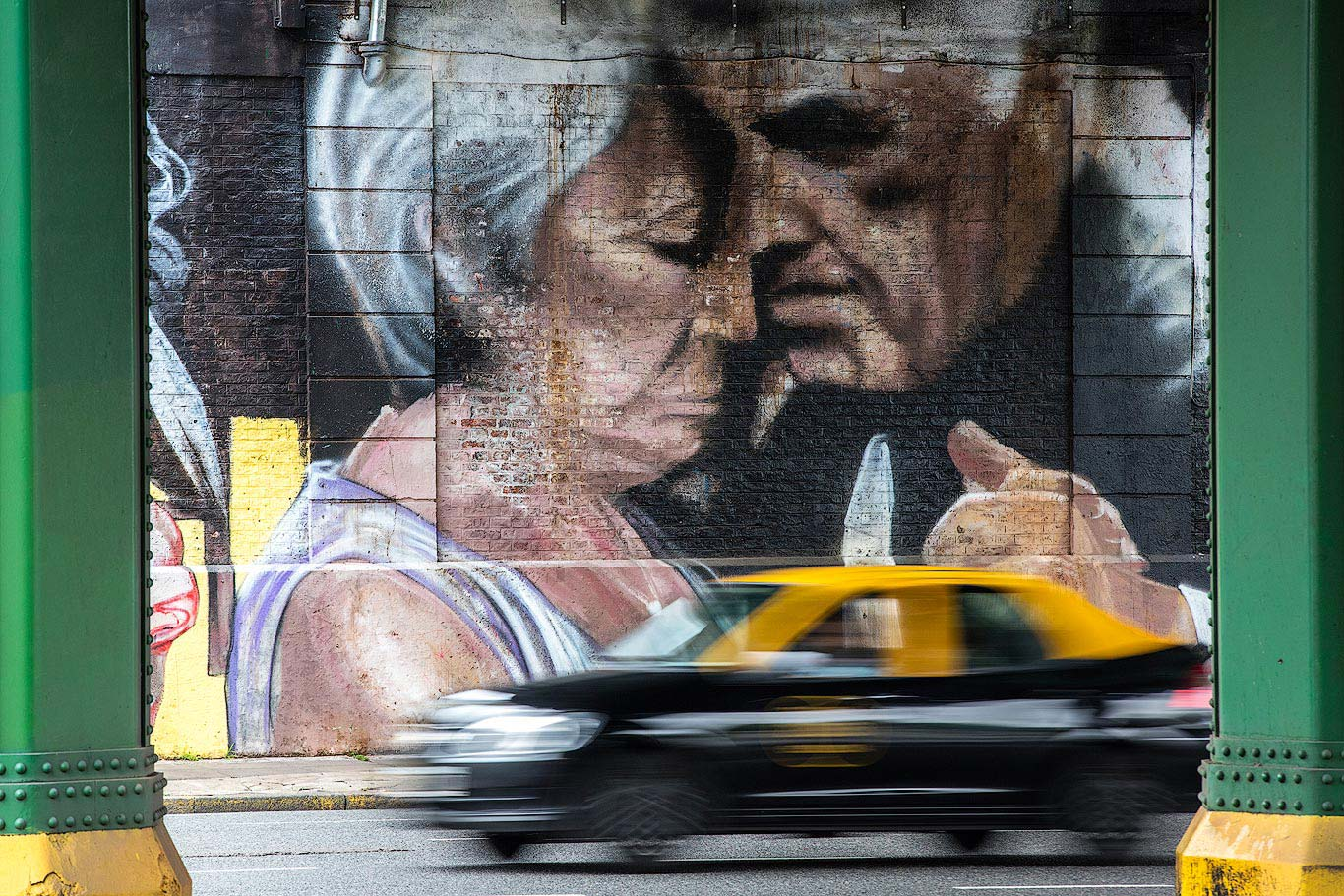 Buenos Aires taxi street art