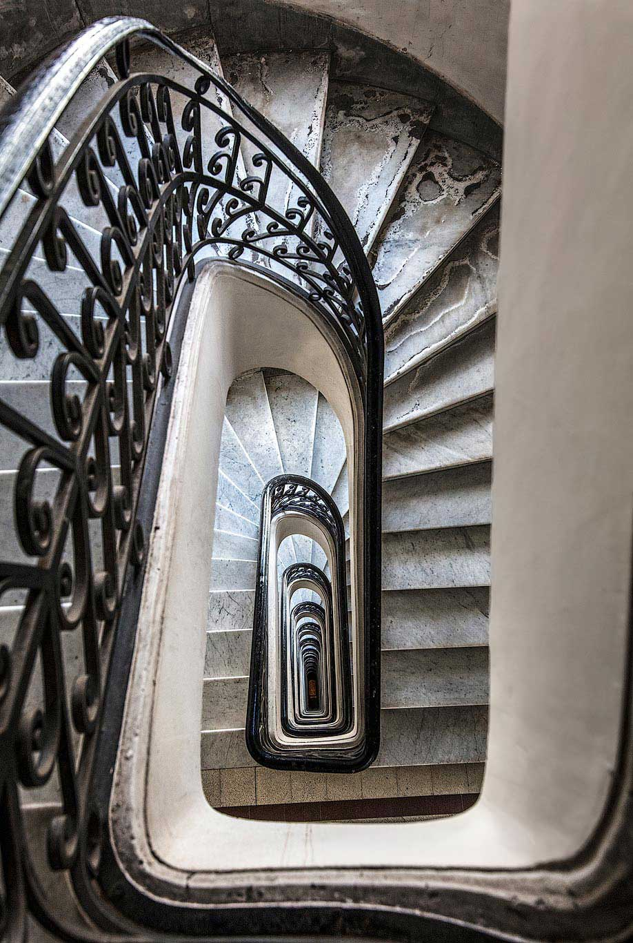 Palacio Barolo staircase