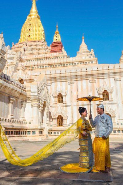 Burmese couple traditional photo shoot, Bagan