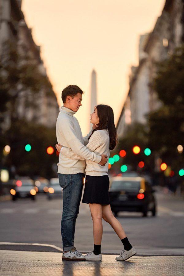 Obelisk photo shoot couple