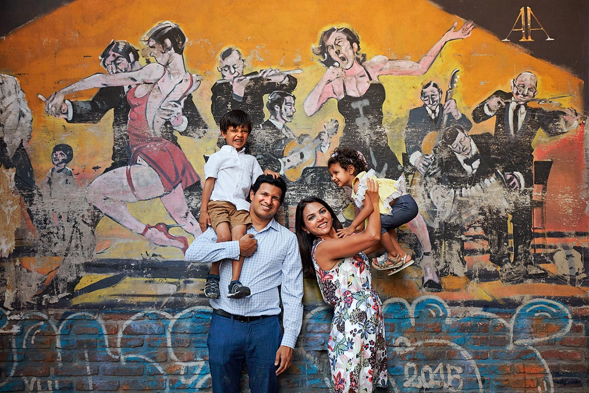 Shilpa & family in San Telmo
