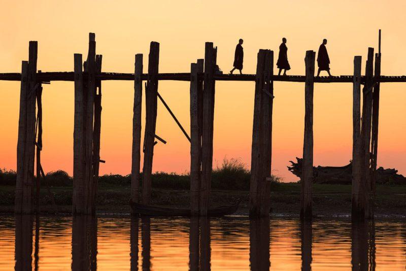 U Bein bridge sunset
